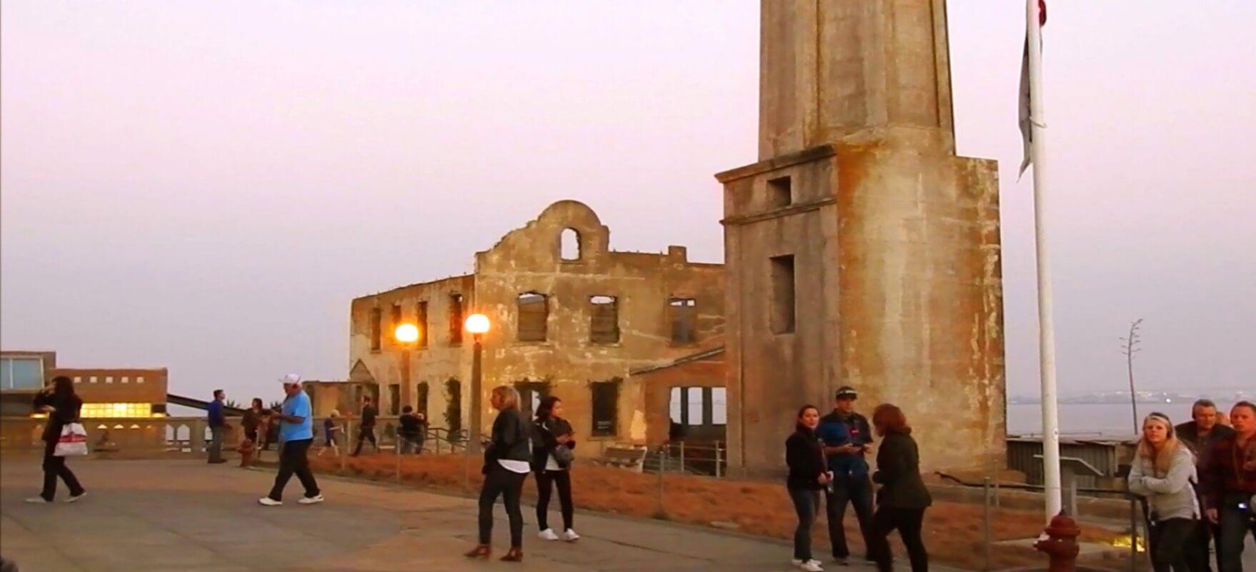 Alcatraz-Night-Tours-Prison-Tickets-Nightime