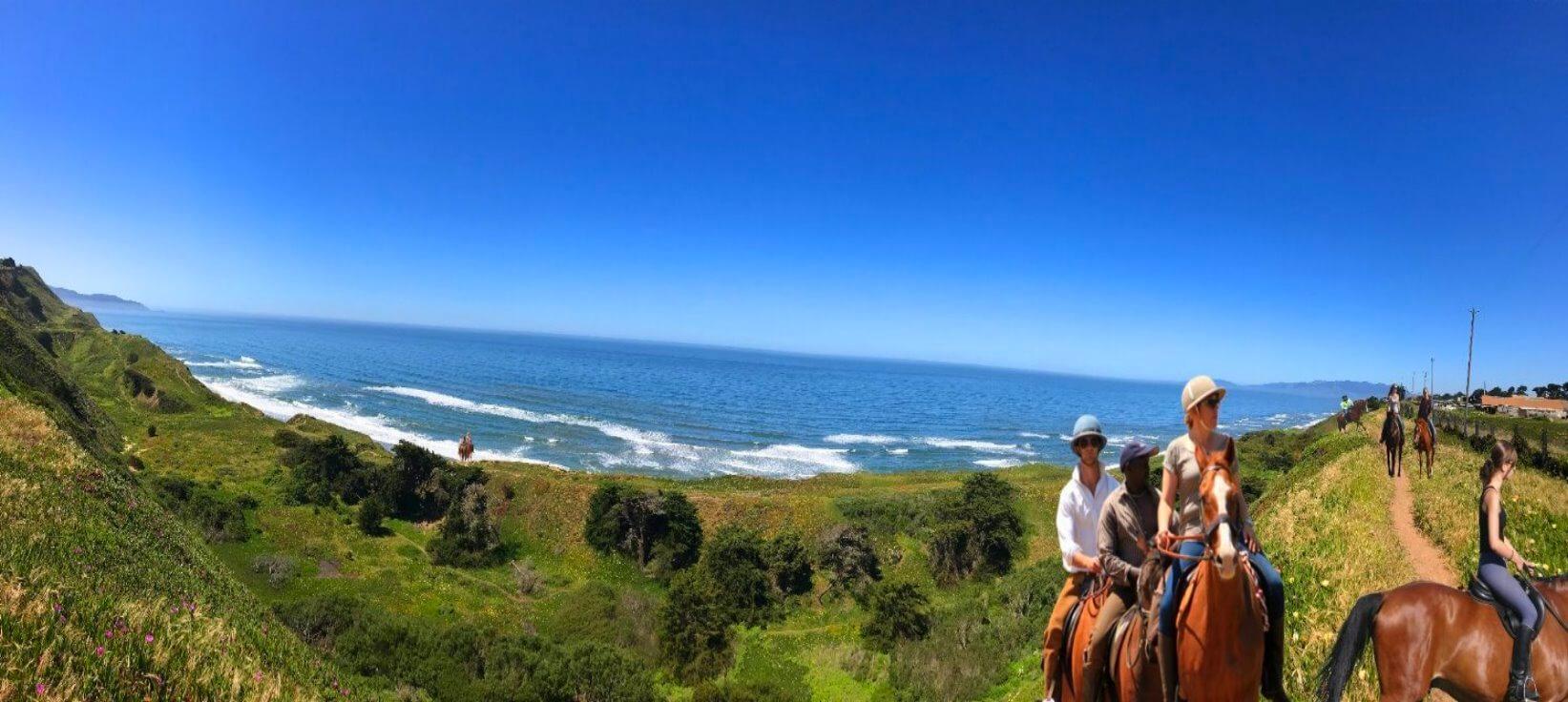 Horseback-Rides-on-The-Beach