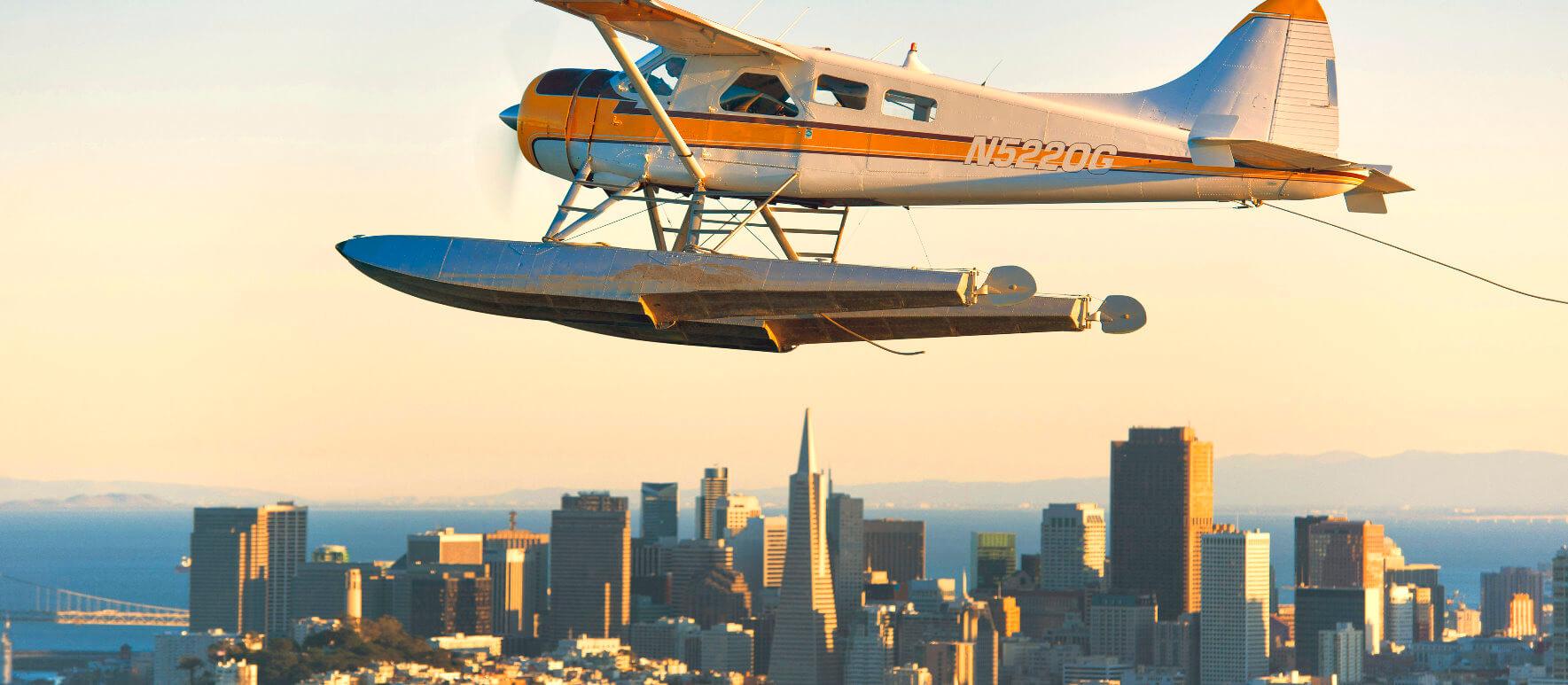 Tour-aerien-en-hydravion-vol-em-helicoptere-sur-alcatraz-et-la-baie-de-sanfrancisc