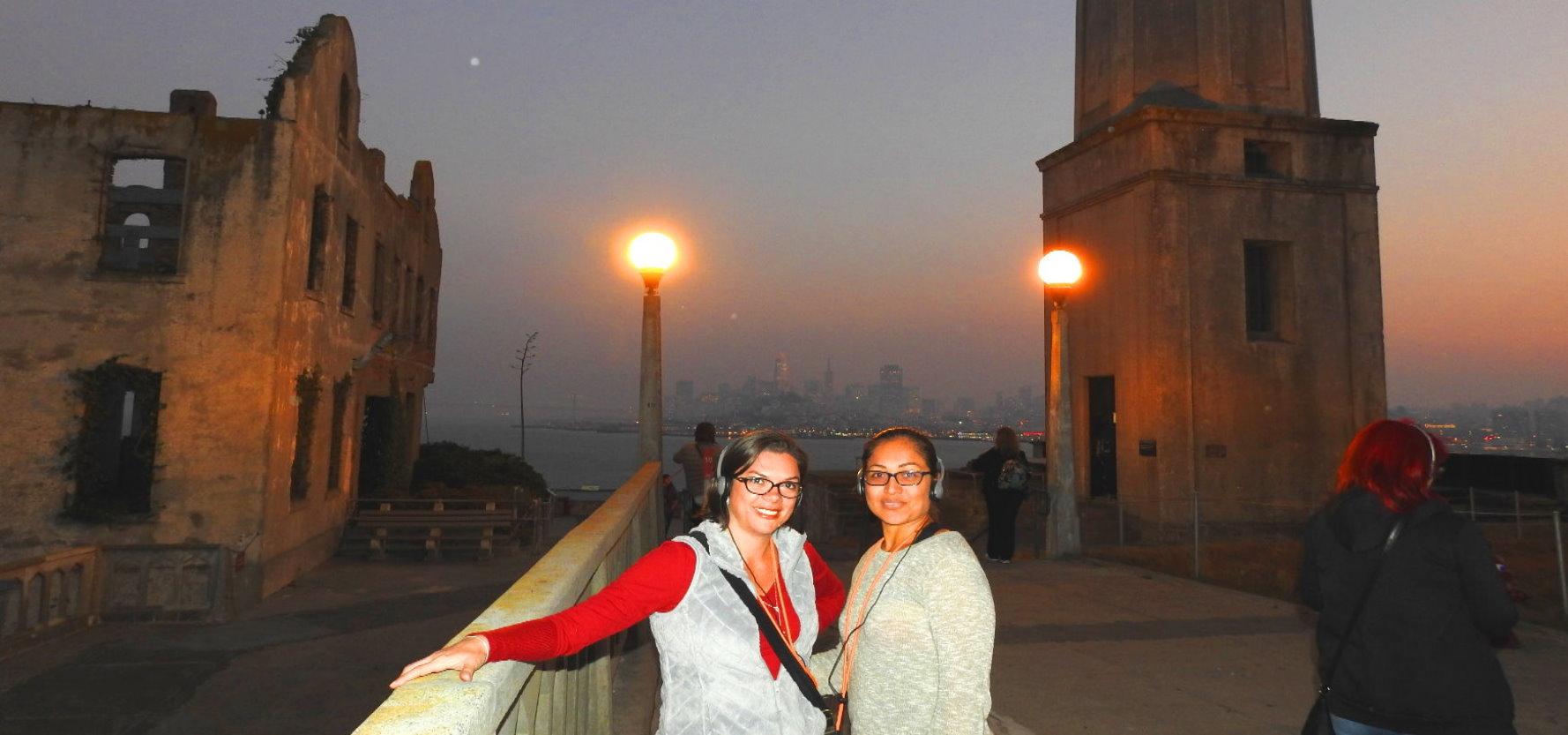 recorrido-por-la-prision-de-la-isla-de-Alcatraz-por-la-noche-con-entradas-carcel