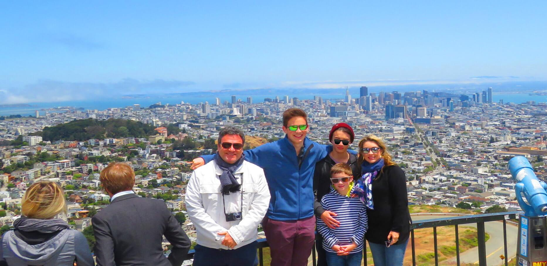 things-to-do-while-visiting-sanfrancisco-bay_area-twin-peaks-overlook